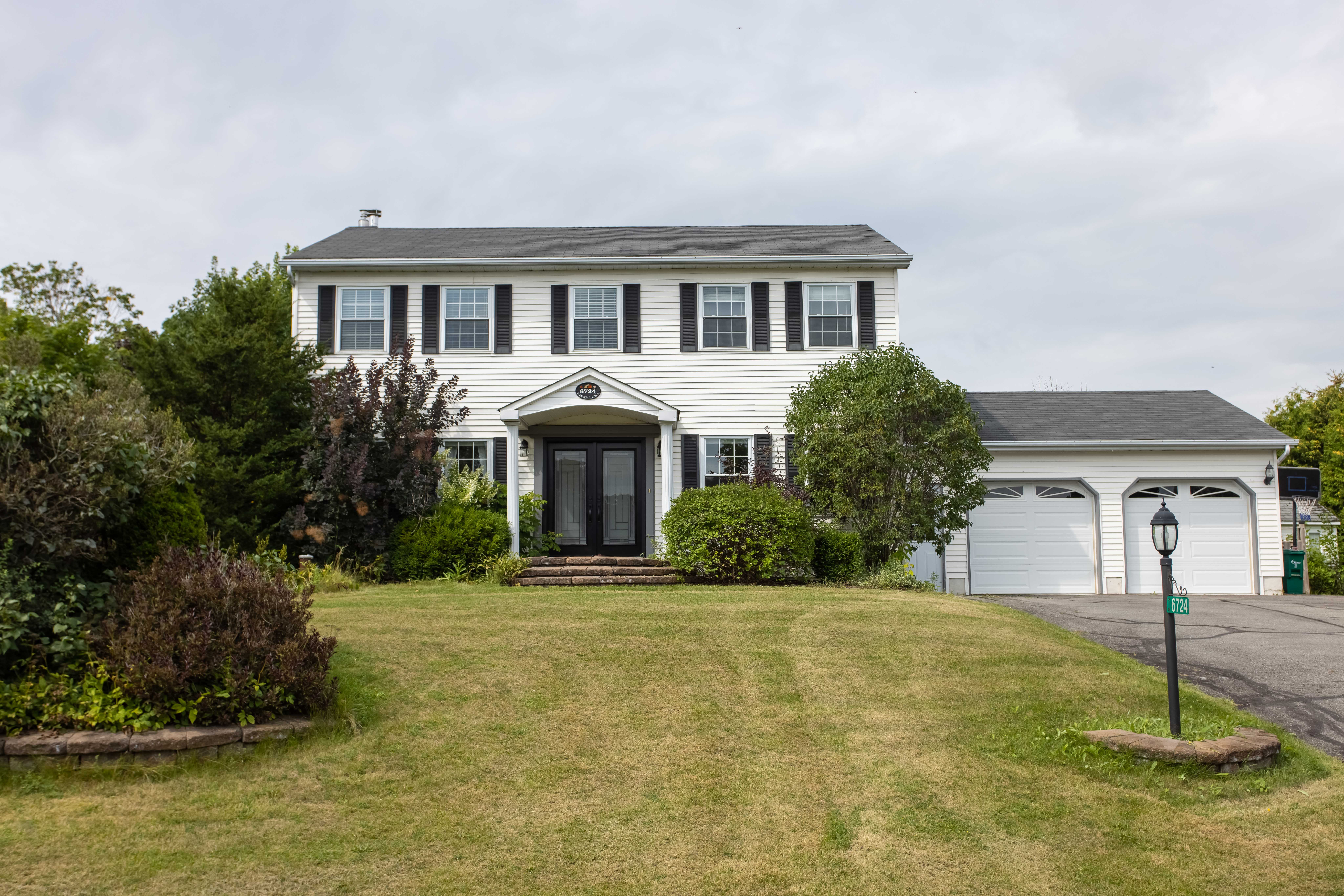 SOLD - 6724 Farmstead, North Gower